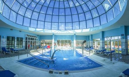 Marbella: 1, 2 o 3 noches para 2 personas con spa, cava, bombones y opción a media pensión en Spa Marbella Hills 4*
