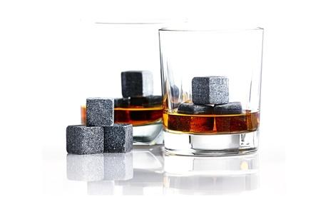 6 oder 12 Granit-Whiskeysteine, Naturstein hält Getränke kühl ohne sie wässrig zu machen, im Samtbeu in Stein