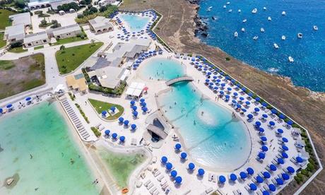 Vacanza Santa Cesarea Terme soggiorno in junior suite e accesso piscine saline per2 persone al GH19 , 3 letto e consumi gratis