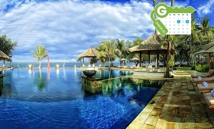 Bali: estancia para dos personas con desayuno y acceso a la piscina en el Patra Jasa Bali Resort & Villas 5*