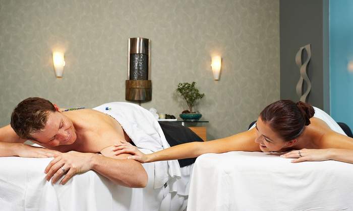 Agua De Vida - San Gabriel: 60-Minute Swedish Massage or Couples Hot-Stone Massage with Complimentary Wine at Agua De Vida (Up to 64% Off)