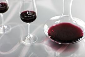 Chai Pierre et Bertrand Couly: Visite prestige du domaine viticole de Pierre et Bertrand Couly avec bouteille de vin à emporter pour 2 à 29,99 €
