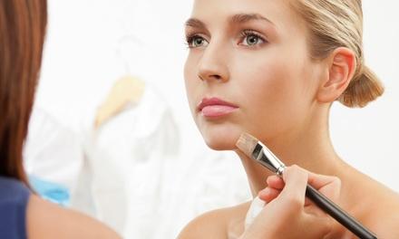 150 Min. Gesichtspflege und Make-up Workshop für eine oder zwei Personen bei Beauty Simone Hollan (bis zu 75% sparen*)