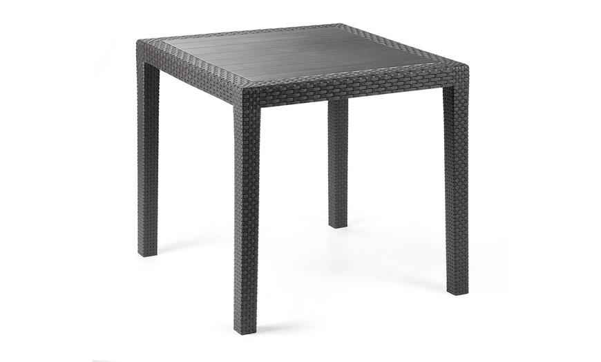 Fino a 68% su Tavolo quadrato da esterno | Groupon