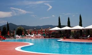 Spa Fattoria Belvedere: Ingresso in piscina con ombrellone, lettini e light lunch per 2, 4 o 6 persone da Spa Fattoria Belvedere