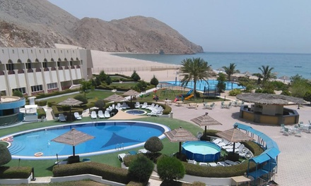 Oman: 1 Night for Two with Beach Access and Option for Breakfast and Half/Full Board at 4* Golden Tulip Dibba Resort
