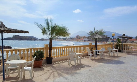 Mazarrón: estancia en habitación doble o twin para 2 personas con desayuno en Hotel Bahía