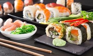 La Grande Muraglia: Menu con 50 o 100 pezzi di sushi e bottiglia di vino per 2 o 4 persone da La Grande Muraglia (sconto fino a 66%)