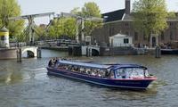 Amsterdam: 75 Min. Rundfahrt für bis zu 4 Personen in 21 möglichen Sprachen mit der Blue Boat Company