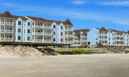 Stay with Dining Credit and Beach Package at Seascape Resort Beachfront Condos in Galveston, TX. Dates into May.