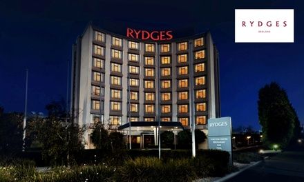 Geelong: Superior Room for Two or Family Room for Four with Parking and Option for Brekky at Rydges Geelong