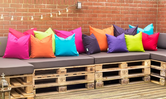 top-rated-deal-icon         Top Rated Deal                                                                                                                                                                                                                                                                                                                                                                                                                       Four-Pack of Water-Resistant Filled Outdoor Scatter Cushions in Choice of Size from £21.49