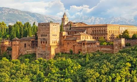 Granada: 1 o 2 noches con desayuno, detalle y opción a cena, media pensión y/o visita a la Alhambra en Hotel Poniente