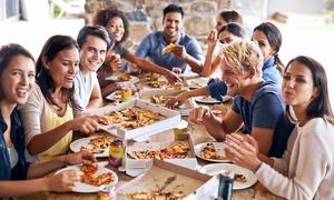 Fantastica Pizza: Catering per 10, 20, 30 o 40 persone con pizza, bottoncini farciti, tramezzini e patatine fritteda Fantastica Pizza