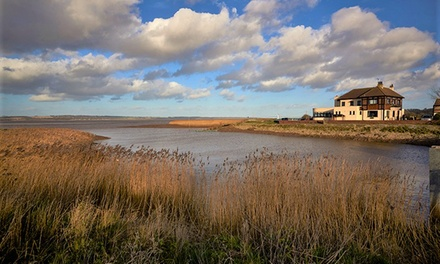 North Lincolnshire: Deluxe Double Room with Sea View for Two with Breakfast and 2Course Dinner at 4* Hope and Anchor