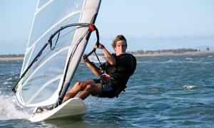 Windsurfschule Niddastausee: Schnupperkurs Windsurfen inkl. Betreuung und Ausrüstung in der Windsurfschule Niddastausee (bis zu 54% sparen*)