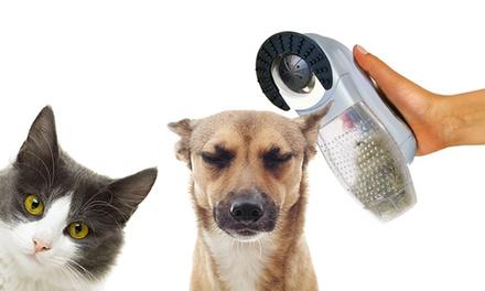 Aspirateur 2 en 1 élimine lexcès de poils tout en massant votre chien et chat
