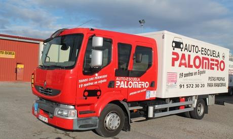 Curso permiso de camión C, autobús D o camión con remolque E y C desde 59 € en Autoescuela Palomero