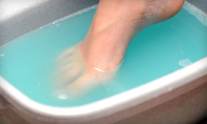OmSho Crysalis - Central Business District: $17 for an Ionic Foot Detox at OmSho Crysalis ($38.25 Value)
