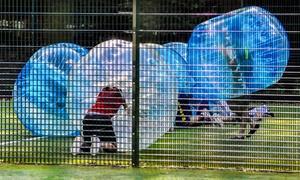 Zorball: Partida de bubble football de 60 minutos para 6, 8 o 10 personas desde 44,90 € en Zorball