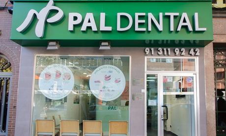 1 o 2 limpiezas dentales con revisión con opción a 1 o 2 blanqueamientos led desde 9,95 € en Pal Dental - Bravo Murillo