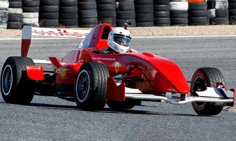 1, 2 o 3 vueltas de conducción con un Fórmula F 2.0 (220 cv) de competición desde 49 € en Best Experience