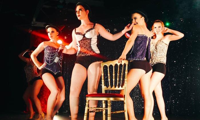 Cabaret la Plume Rouge - La Chapelle Des Marais: Dîner spectacle pour 2 personnes dès 36 € au Cabaret la Plume Rouge