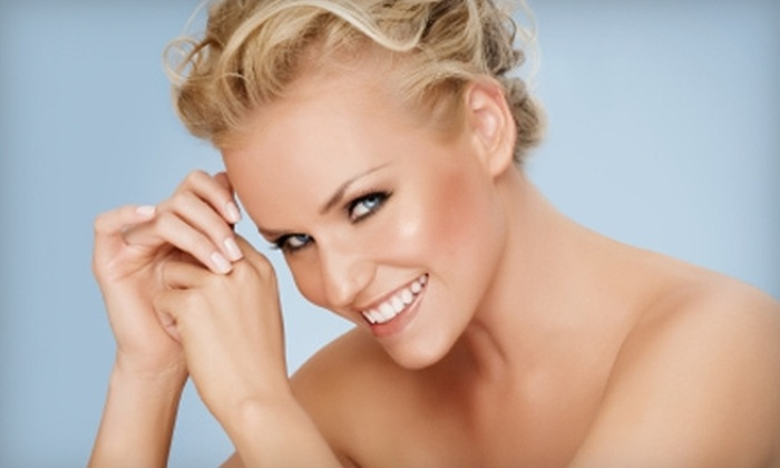 Tan Express - Seward: $30 for Three VersaSpa Sunless-Tanning Sessions at Tan Express in Seward