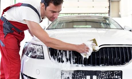 Lavado completo de coche con tratamiento de ozono, encerado con opción a limpieza de tapicería desde 19,99 € en Gui2