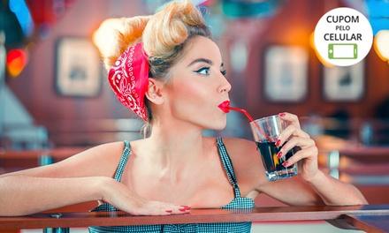 Ensaio feminino Pin Up (Retrô) com troca de roupa, figurino e acessórios + 30 ou 50 fotos na Momento Fotografia–Buritis