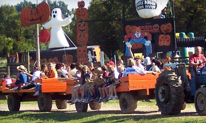 Pumpkinville at Leesburg Animal Park - Emerald Park Estates: Weekend or Weekday Fall Outing for Two or Four to Pumpkinville at Leesburg Animal Park