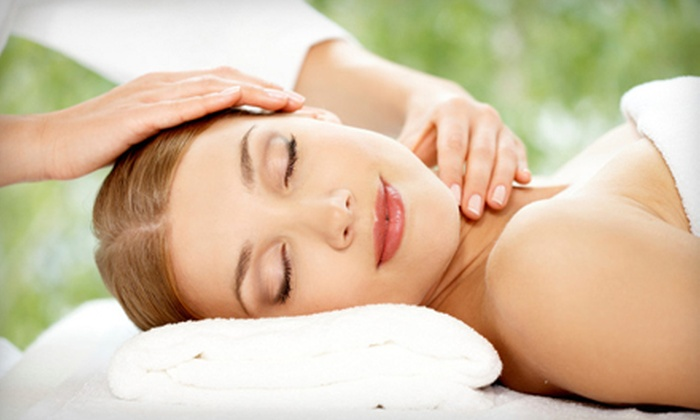 Relax Spa & Beauty Lounge - Burbank: $59 for a Spa Package with Facial, Back Scrub, and Massages at Relax Spa & Beauty Lounge in Burbank (Up to $124 Value)