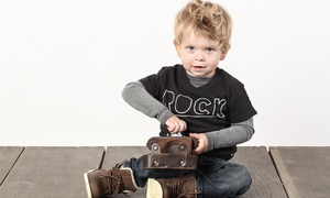 Mahum Studio: Sesja fotograficzna dziecięca lub rodzinna z pięcioma wyretuszowanymi zdjęciami za 79 zł i więcej opcji w Mahum Studio