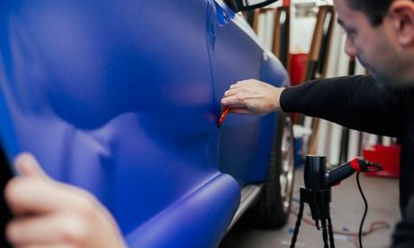 Servicio de reparación de chapa y pintura de coche por 49,95 € en Talleres Ariauto