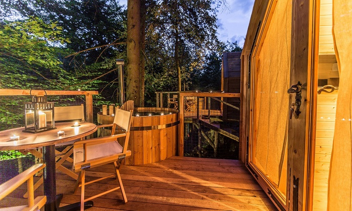 Glamping Ribno - Bled: Lago di Bled: 1 e 2 notti sulla Casa sull'albero per 2 con colazione, cena, sauna, casinò e massaggio