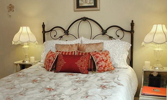 Woodstock Inn Bed & Breakfast - Procter: 2-Night Stay at Woodstock Inn Bed and Breakfast in Independence, MO