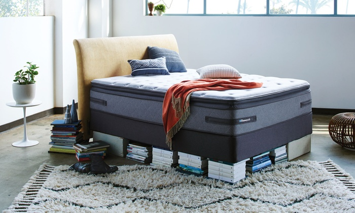 Mattress closeout center no automatic alt text for Couch 700 euro