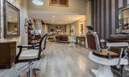 Sesión de peluquería con tratamiento de argán y opción a tinte y/o mechas desde 19,95 € en Vicky Cristina
