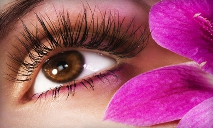 GrandeNaturals, LLC: $32 for a Three-Month Supply of Eyelash Enhancer and Shipping from GrandeNaturals, LLC ($63.90 Value)