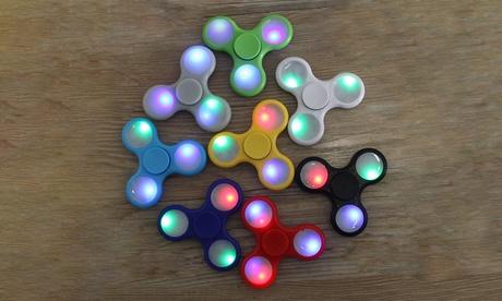 Fidget Spinner or Fidget Cube 1199db62-4219-11e7-b3cf-00259069d7cc
