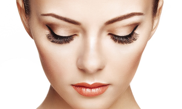 JJ Eyelashes - Multiple Locations: Eyelash Extensions with 80 or 100 Lashes Per Eye at JJ Eyelashes (Up to 60% Off). Three Options Available.