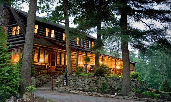 Gateway Lodge Resort & Spa - Cooksburg, PA: Two-Night Stay at Gateway Lodge Resort & Spa in Cooksburg, PA