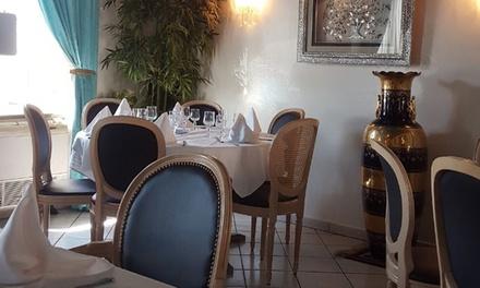Menu oriental traditionnel avec thé ou café, option dessertpour 2 personnes à 25 € au restaurant Le Najiba