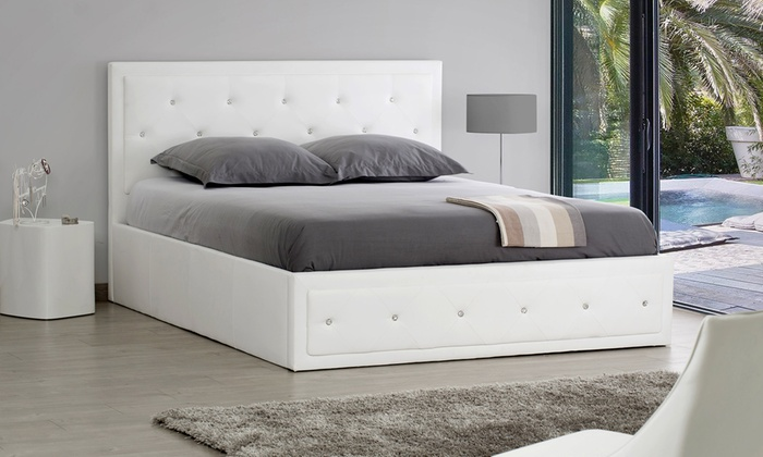 Lit coffre strass avec ou sans matelas groupon shopping for Les plus beaux lits