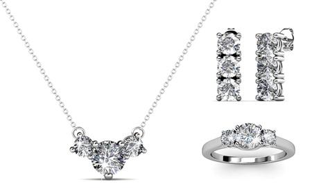 Joyería adornada con cristales de Swarovski®: anillo, pendientes y collar