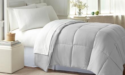 Wexley Home All-Seasons Down-Alternative Comforter
