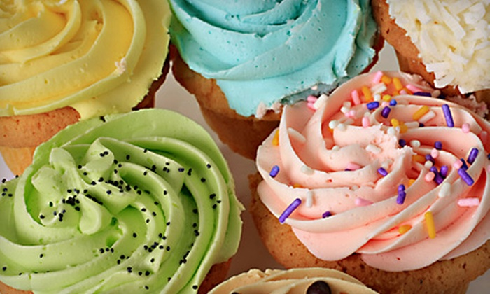 Cake and Art - West Hollywood: $45 for a BYOB Mega Cupcake Class at Cake and Art in West Hollywood ($95 Value)