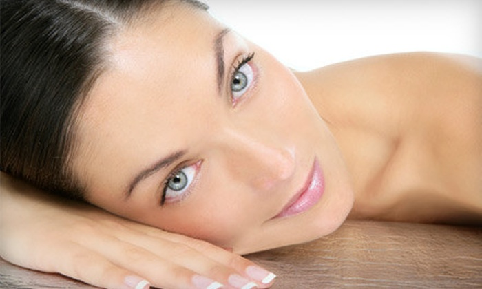 Cocoa Tanning Studio - Downtown Vancouver: $28 for Four Infrared Sauna Sessions or Four UV-Tanning Sessions at Cocoa Tanning Studio (Up to $100 Value)