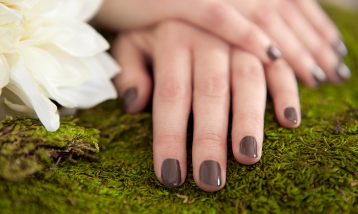 De La Mer Salon & Spa - Bellmore: One or Three Shellac Manicures at De La Mer Salon and Spa in Bellmore (Up to 57% Off)