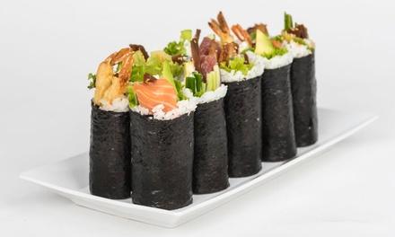 Japońskie smaki: 3 rolki sushi, dowolna sałatka oraz napój za 39,99 zł i więcej opcji w Street Sushi Grab & Go (do -42%)